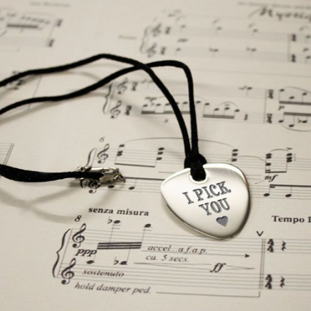 I pick you plectrum pendant